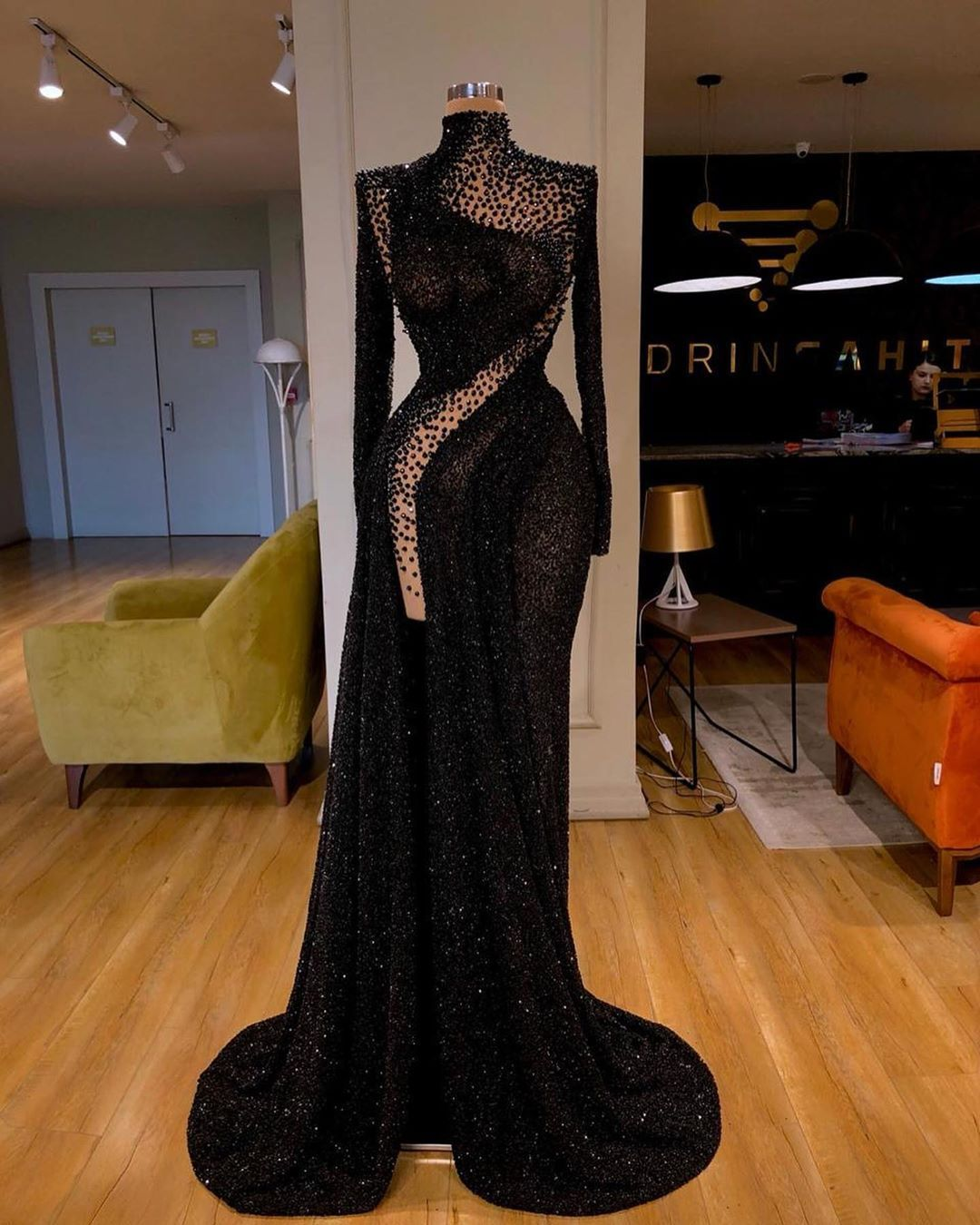 Stunning Valdrin Sahiti Custom Couture Gown Find The Perfect Gown With Pageant Planet Browse All Of Our Beautiful Pro Glam Dresses Gala Dresses Gowns Dresses
