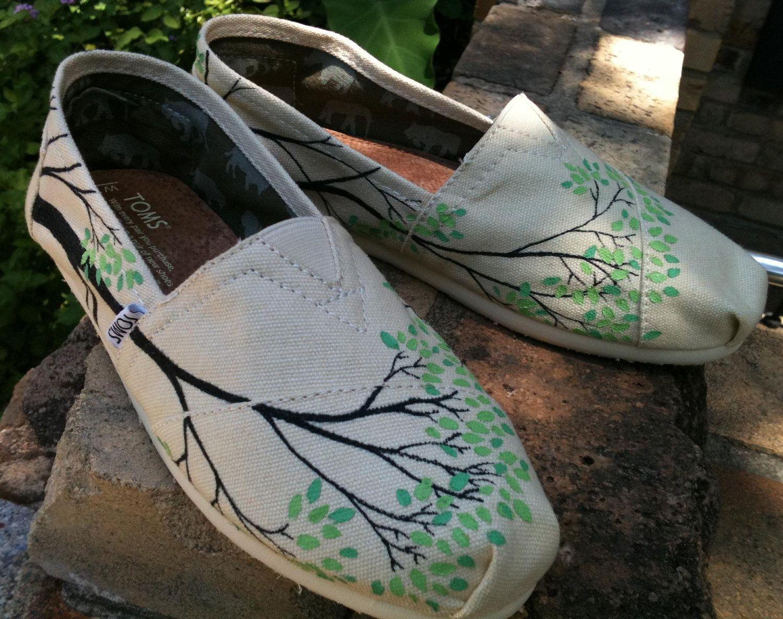 diy canvas shoes Canvas shoes diy, Painted canvas shoes