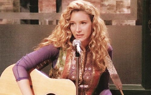 """SEASON 1, PHOEBE'S LONG CURLY HAIR Community Post: 22 Signs You're Still Addicted To """"Friends"""""""