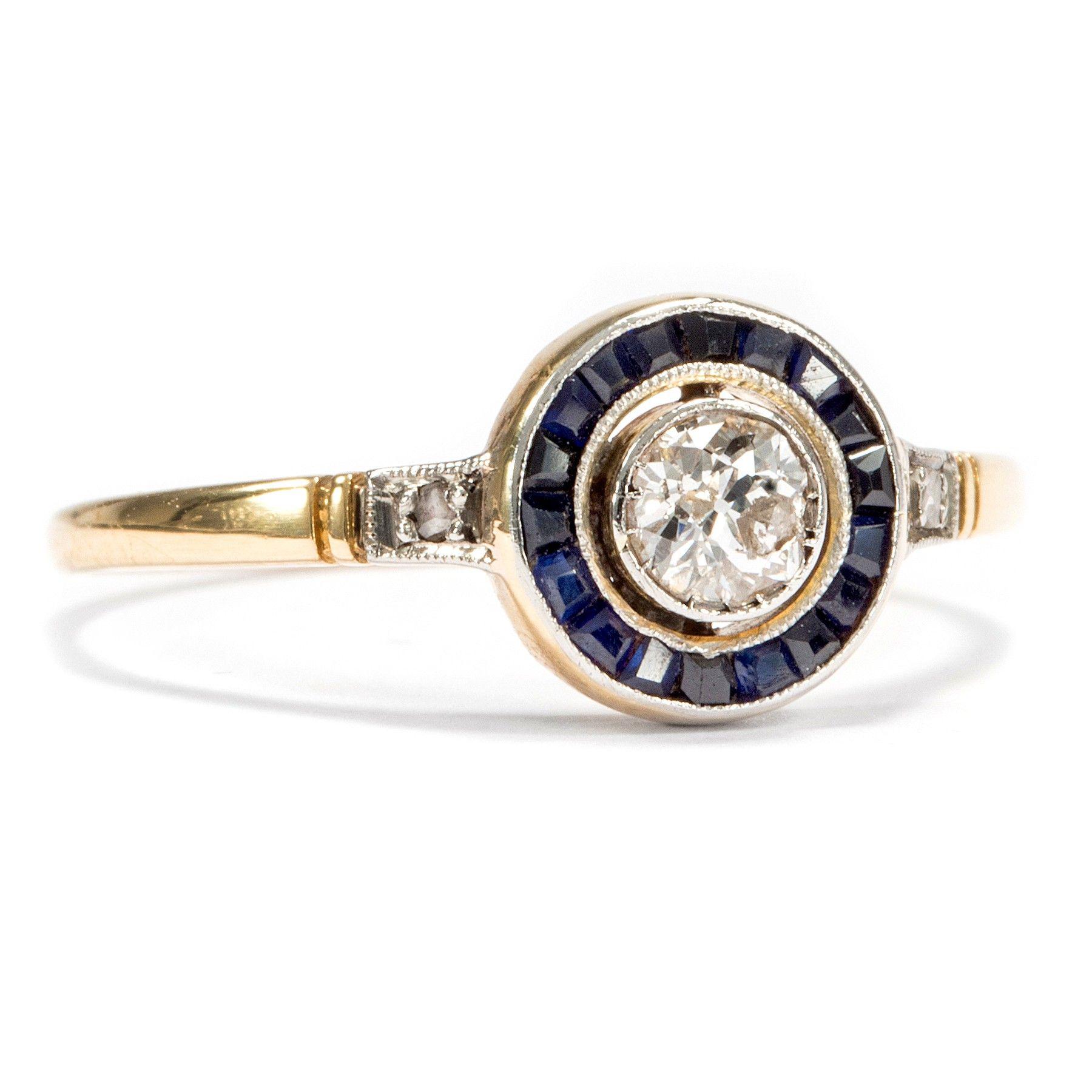 Hallo Halo! - Eleganter Saphir & Altschliff Diamant Ring in Gold, um 1910. Photo © 2015 Hofer Antikschmuck Berlin