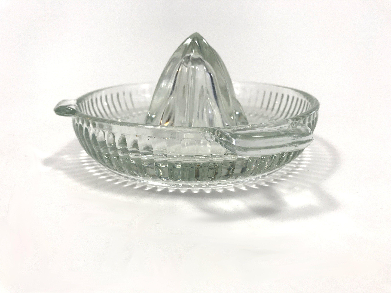 Vintage Glass Citrus Juicer Anchor Hocking Clear Glass Lemon Etsy In 2020 Citrus Juicer Juicer Clear Glass