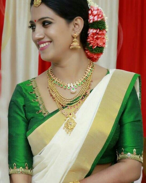 Hairstyles With Flowers Kerala: What A Beautiful Large Low Bun With Real Flower Gajra