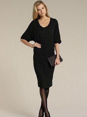 dcdd89e4300 Маленькое черное платье и аксессуары