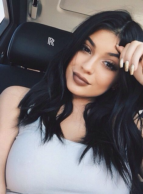 we know you're rich kylie. don't have tah rub it in bitch