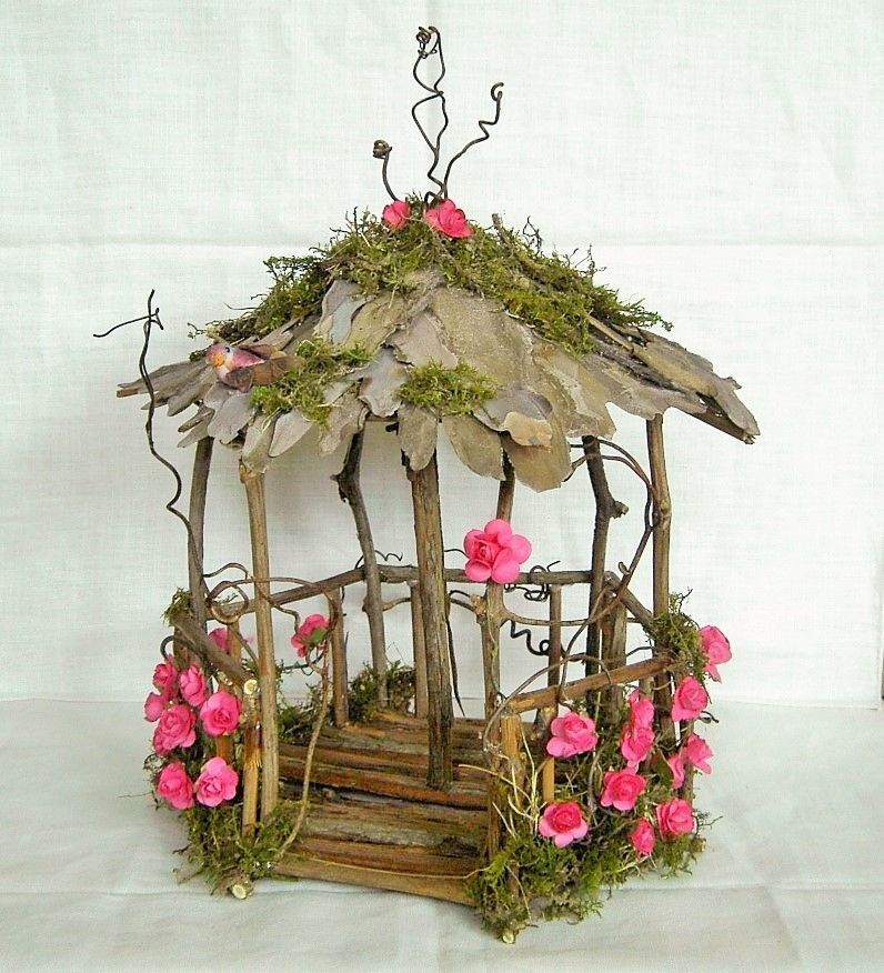 18 Beautiful Fairytale Garden Ideas: Fairy Garden Miniature Doll House ROSE Flower And Moss