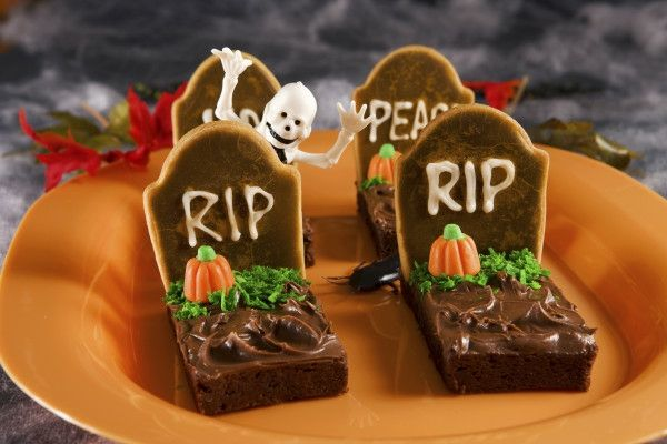 Halloween Deko Selber Machen Tischdeko Basteln Halloween Desserts Halloween Party Rezepte Halloween Essen