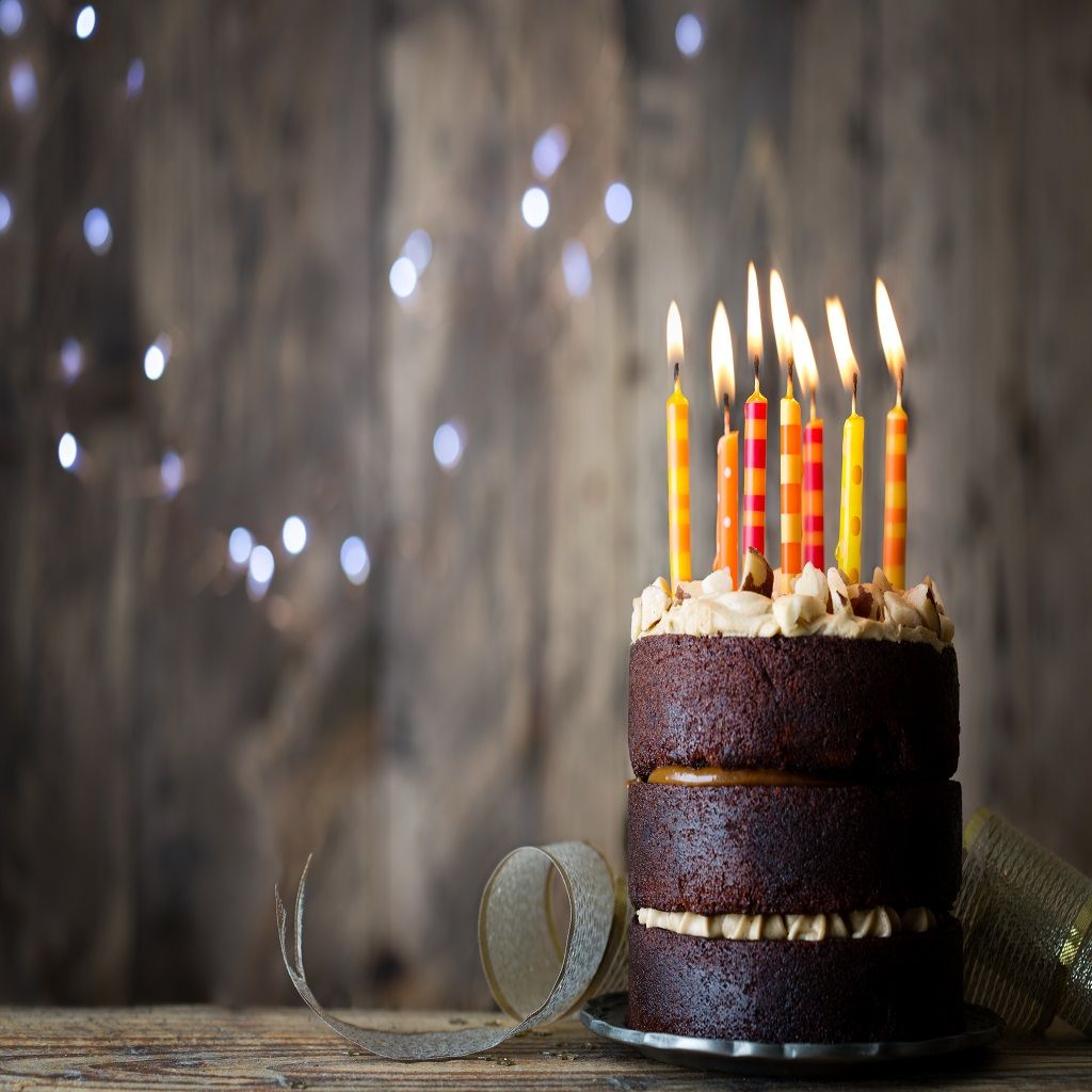 اجمل صور تورتة عيد ميلاد للاحتفال بالحبيب والصديق موقع مصري Birthday Cake With Candles Best Birthday Quotes Happy Birthday Celebration
