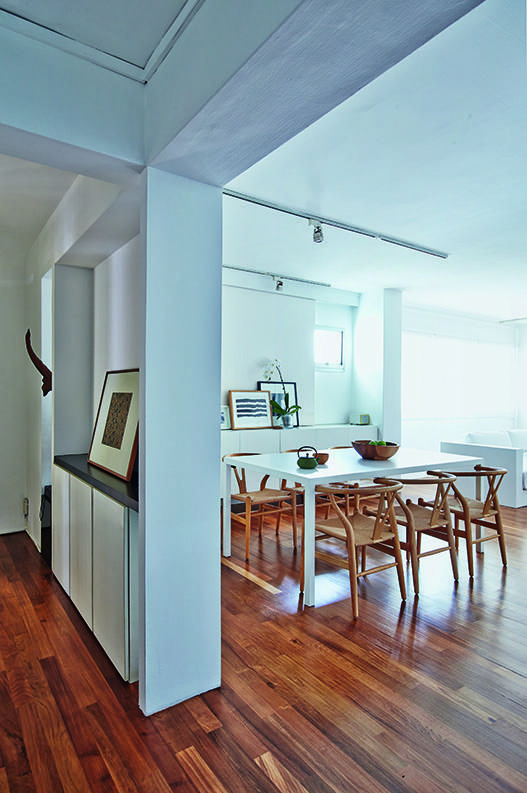 Hdb Study Room Design Ideas: House Tour: Super Stylish Mostly-white Interiors In This