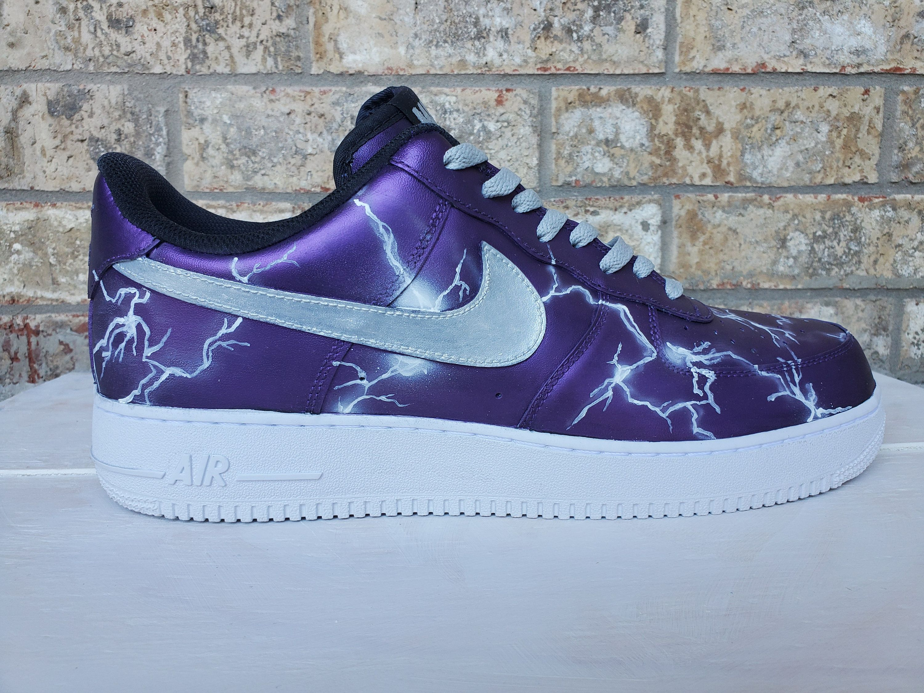 Custom Air Force 1 Lightning Effect Pearlescent Paint