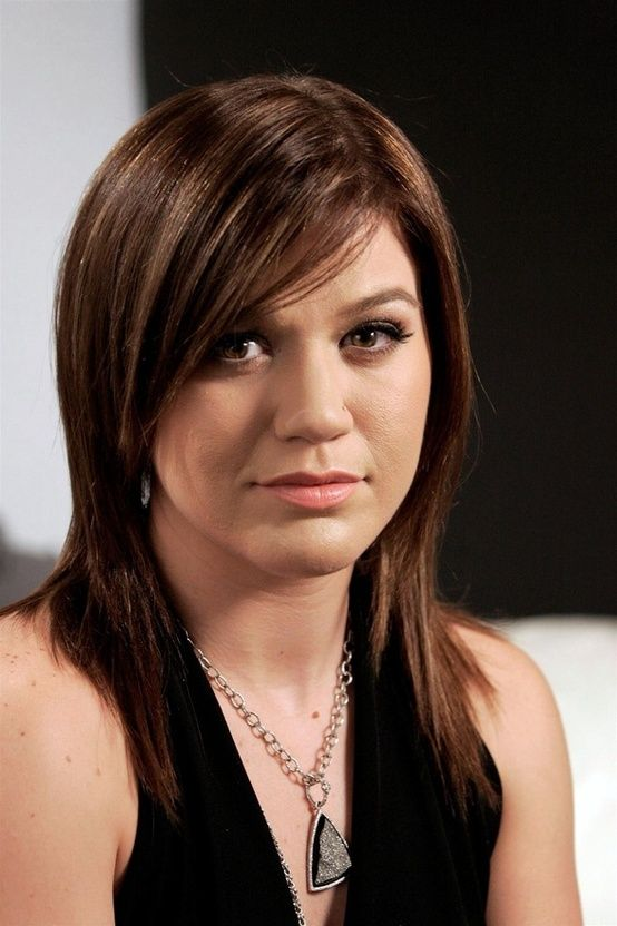 Kelly Clarkson Eyes Hairstyle Face Close Up Jpg 554 832 Kelly Clarkson Hair Thin Hair Styles For Women Hairstyle