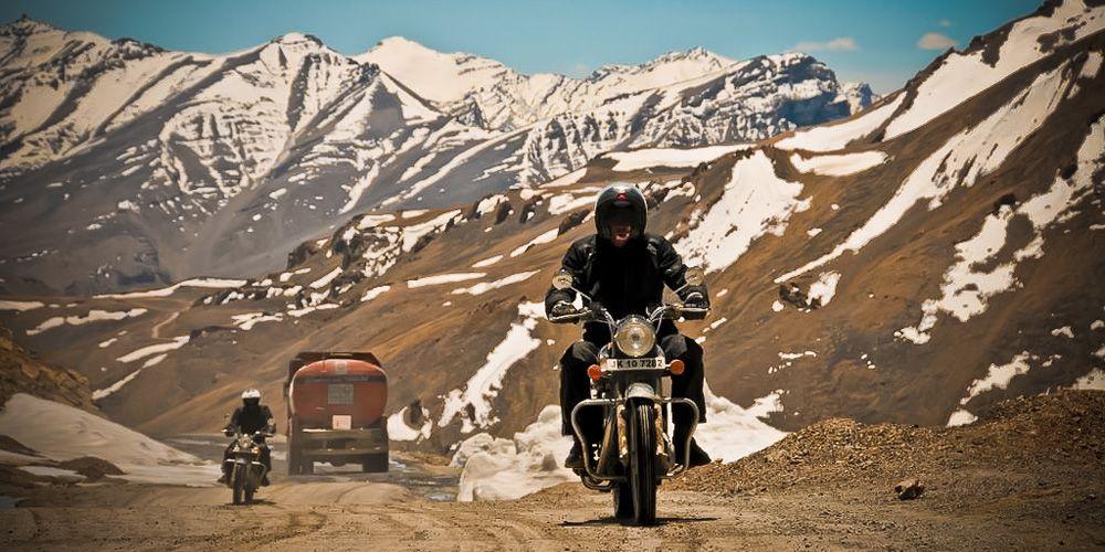Www Motorbikeeurope Com En Worlds Highest Motorable Road India