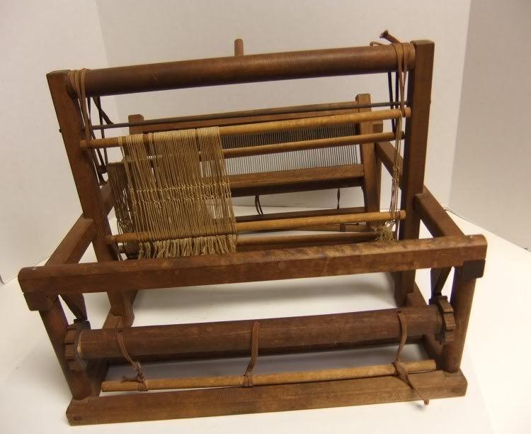Vintage Peacock Table Top 12 Inch Weaving Loom w/Manual