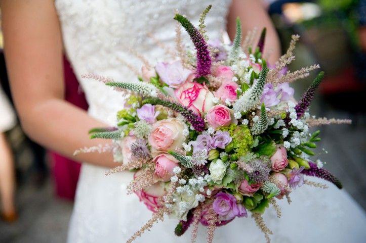 So Ein Wunderschoner Brautstrauss Wildblumen Feiern Ihr Comeback