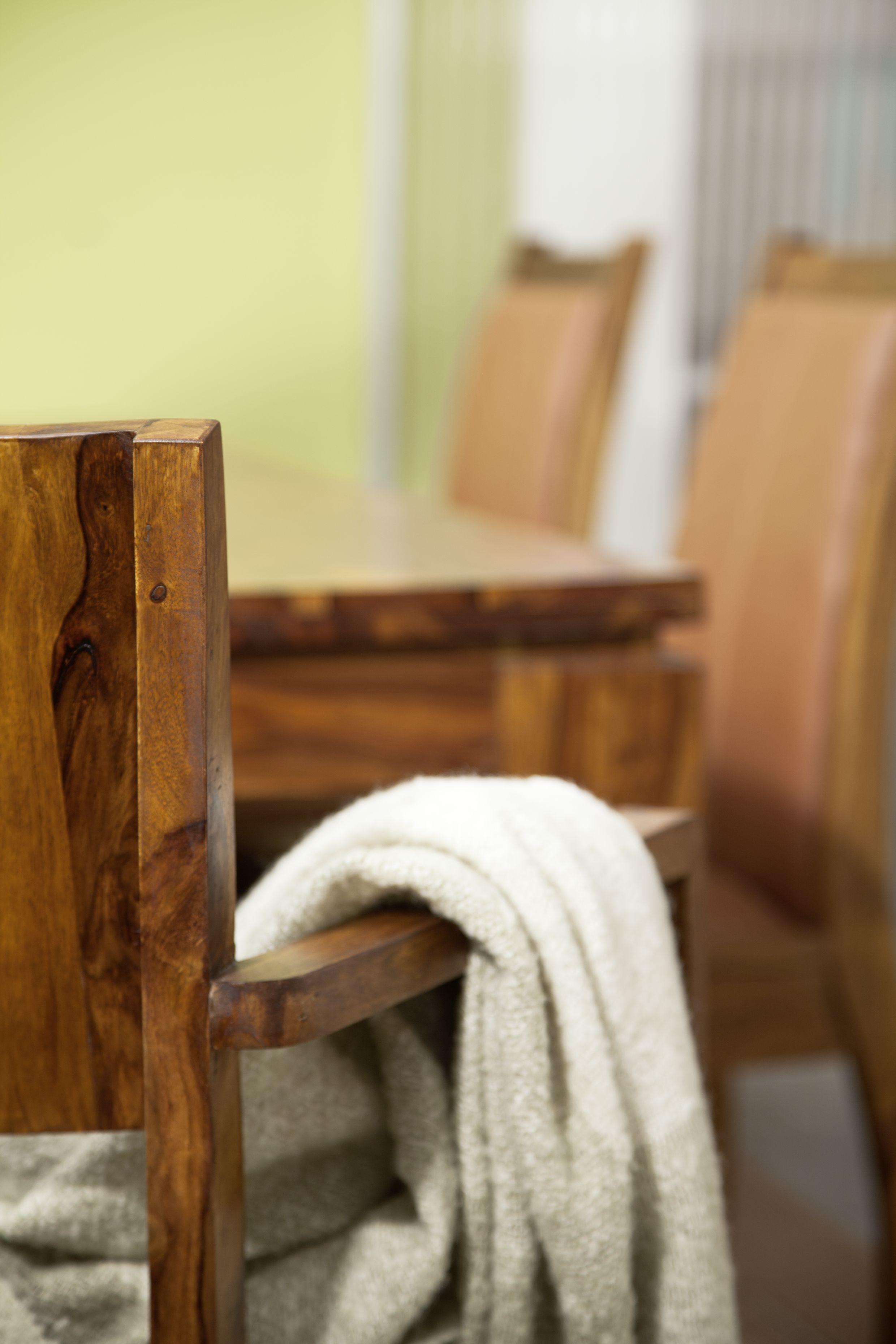 Sessel der Serie METRO LIFE aus Palisanderholz. Die