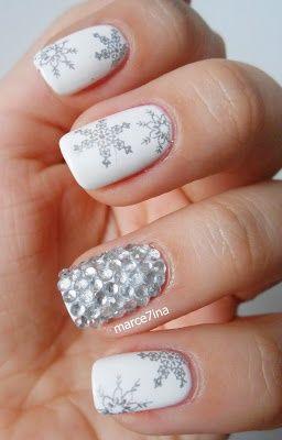 Christmas Holiday Winter Snowflake With Crystal Accent Nail Nails Nailart