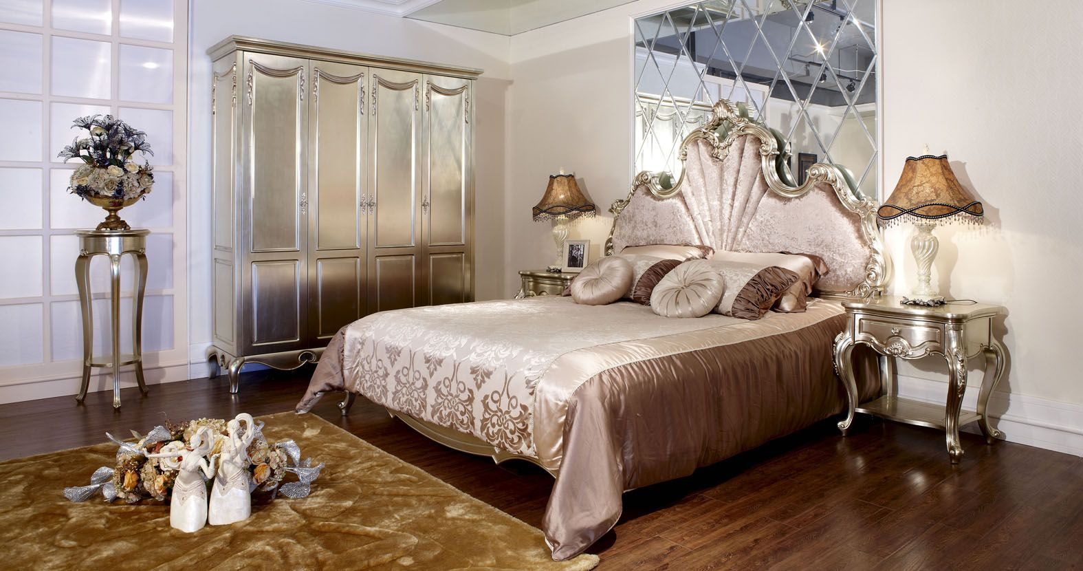 14 Stunningly Dazzling French Bedroom Design