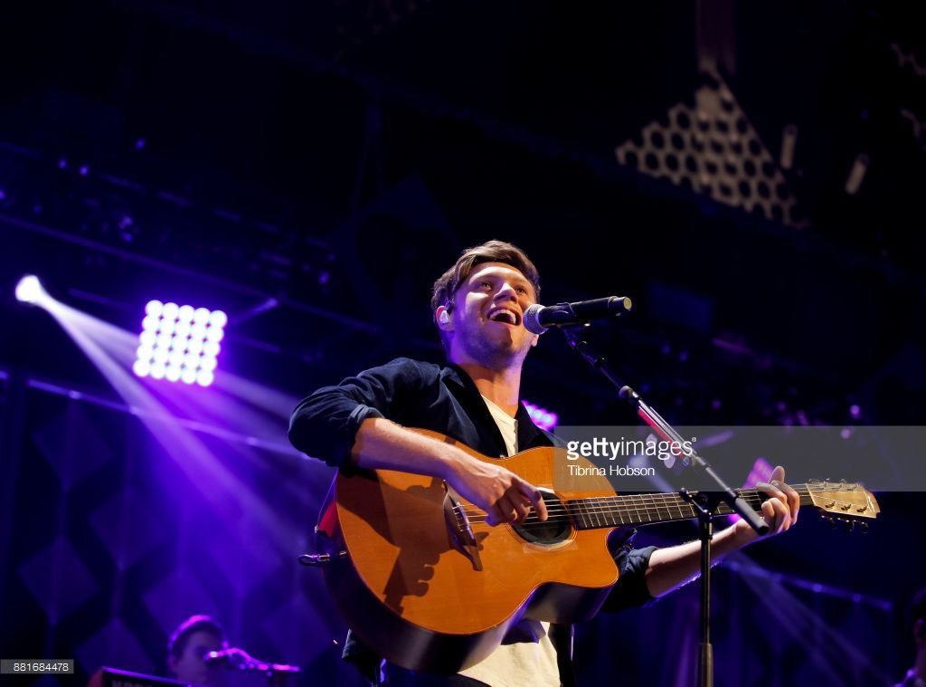 Niall Horan Performs At 106 1 Kiss Fm S Iheartradio Jingle Ball