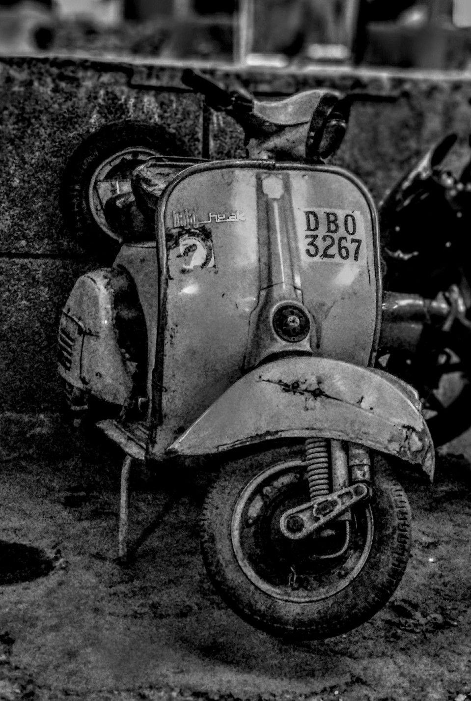 OLD BAJAJ CHETAK MODEL NO 1982 | Vespa and Bajaj old scooter