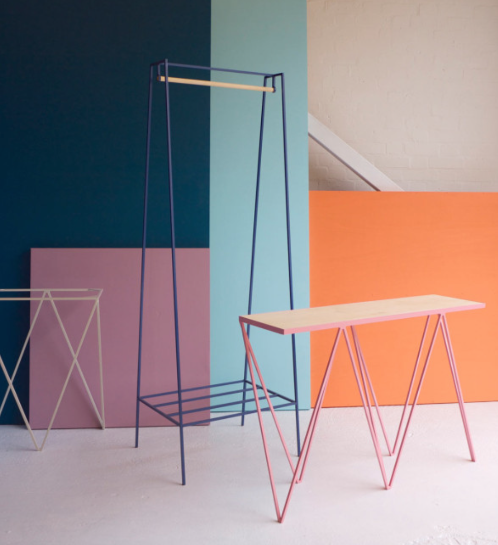 Una Tendencia Son Los Muebles Minimalistas De Acero Pregunta Por  # Muebles De Zoita
