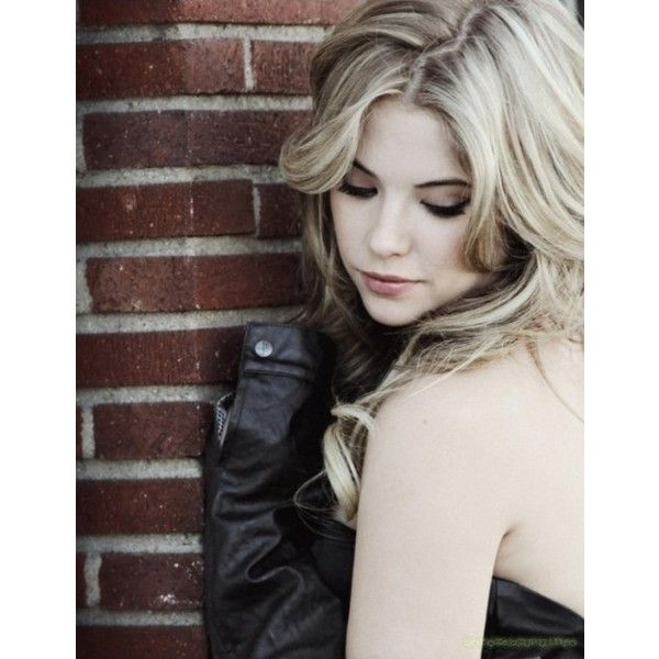 Ashley Benson Troix magazinban ❤ liked on Polyvore featuring ashley benson, people, pretty little liars, ashley and hair