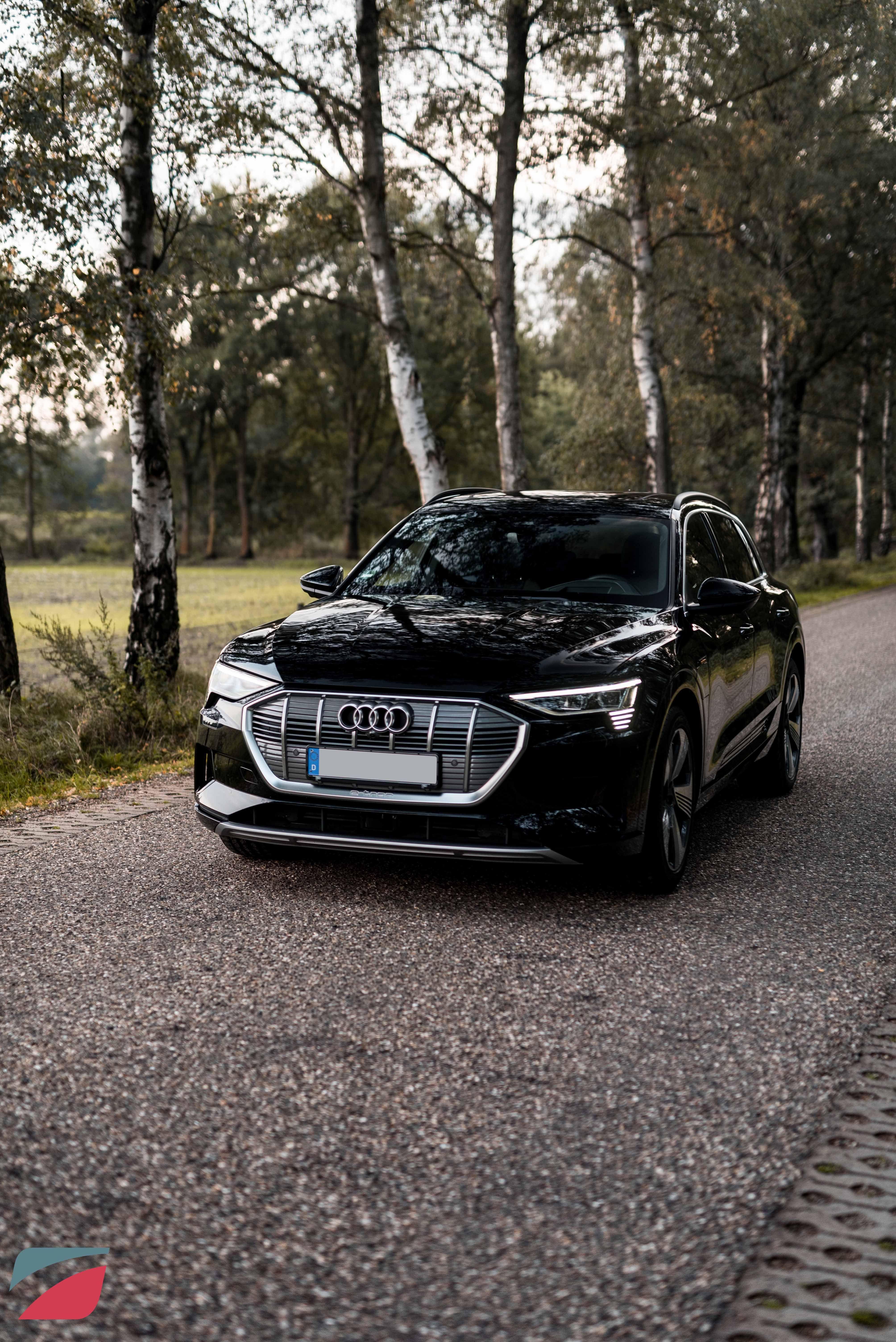 Audi E Tron In 2020 Tron Audi Elektrofahrzeug