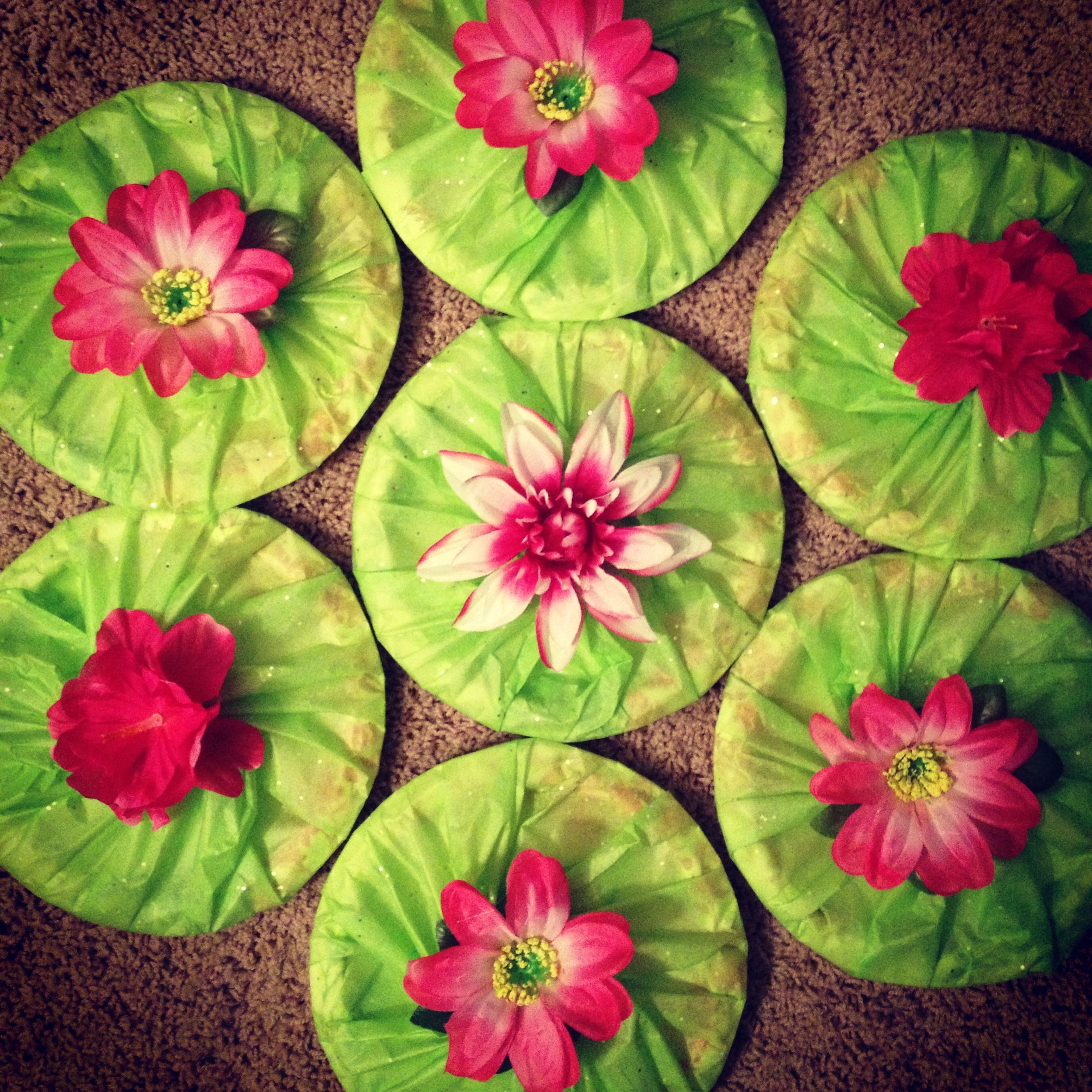 DIY lilypads for frog princess party! $1 sparkle tissue paper $1 flowers $1 paper plates & DIY lilypads for frog princess party! $1 sparkle tissue paper $1 ...