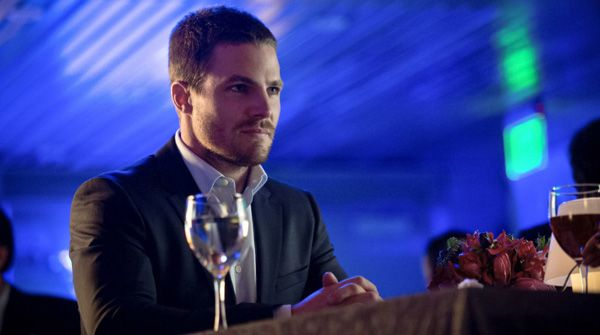 "Arrow ""Dodger"" Review: Dating Games and New Dynamics 