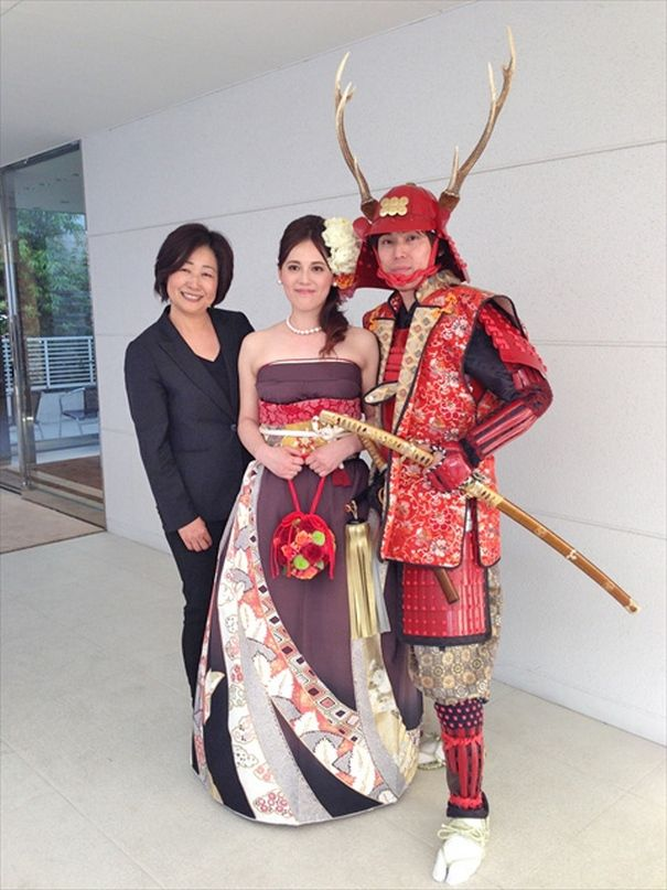 28722123f02 Brides In Japan Are Turning Their Traditional Kimonos Into ...