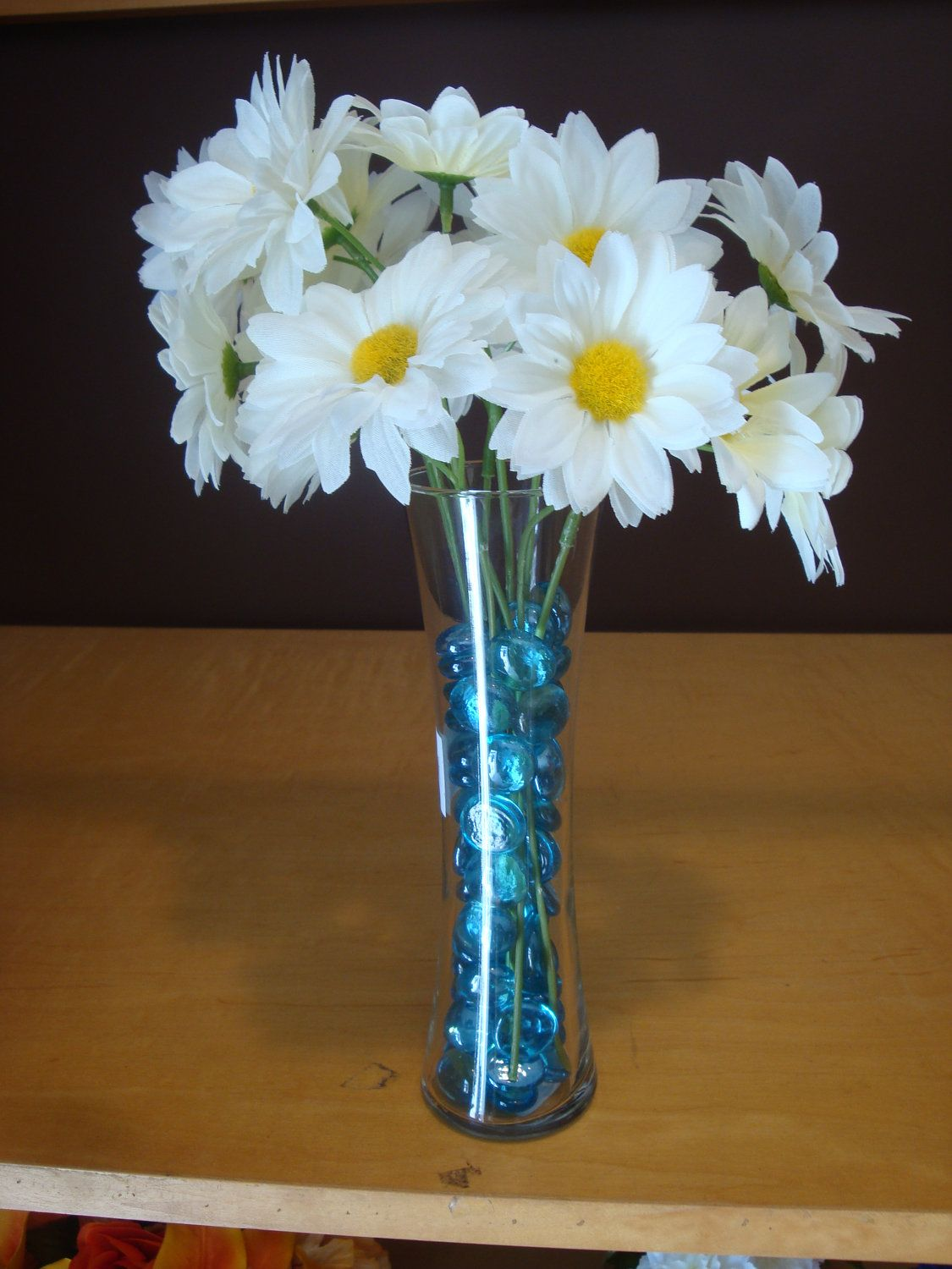 Flower Vase Ideas For Decorating Beautiful White Daisy Flower Small Complete Vase Wedding