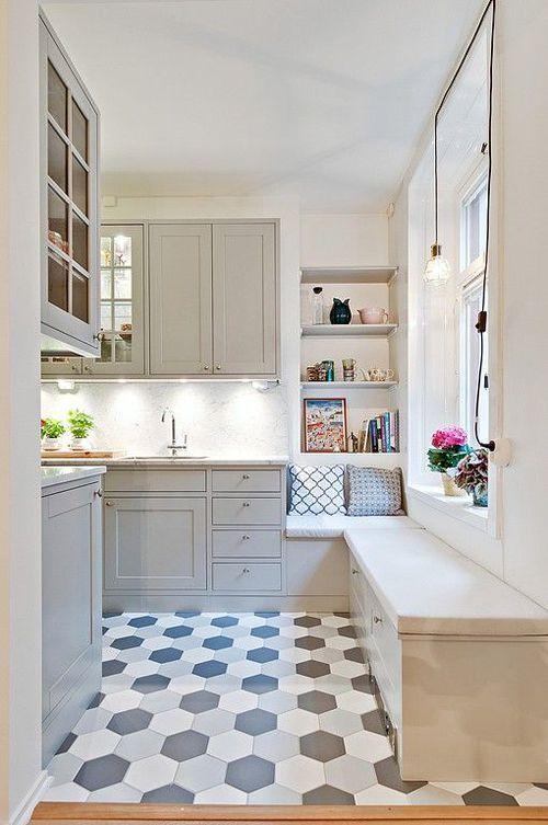 banc angle + sous fenêtre | kitchens | Pinterest