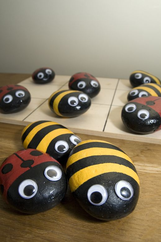 Bugs and bees pebbles naughts & crosses. Love it | Painted rocks ...