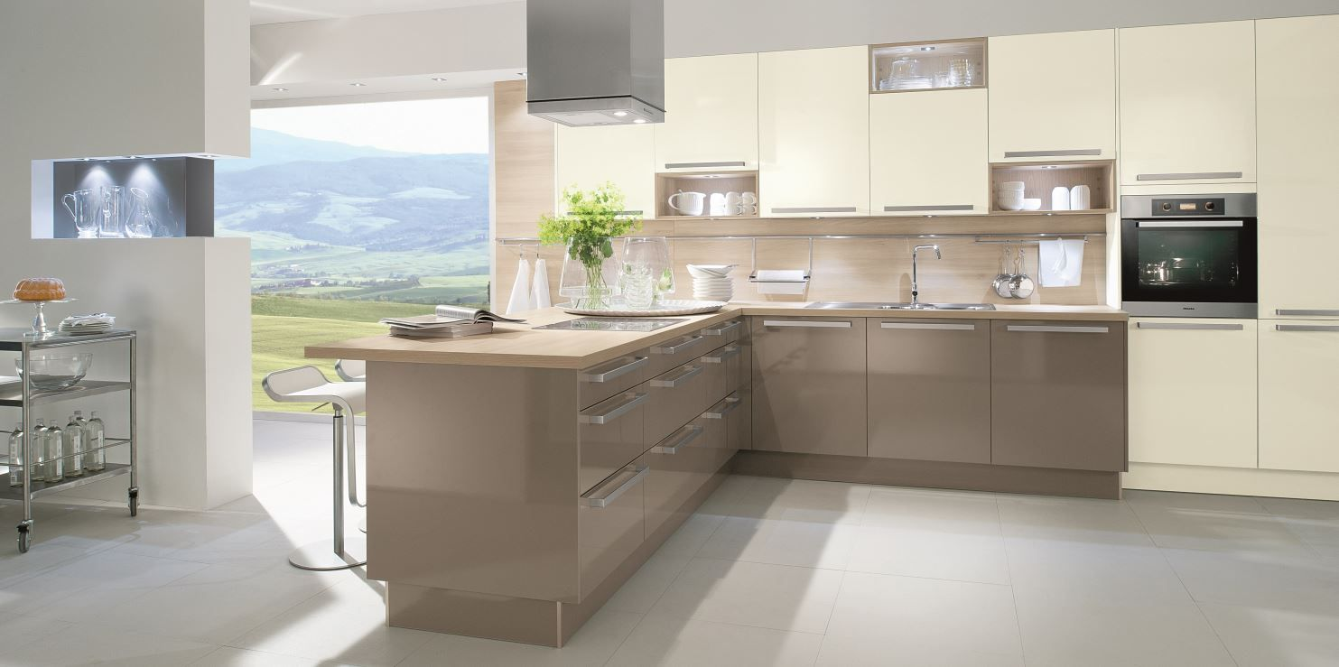 Modern Kitchen In Neutral Colours And Wooden Worktop Cocina  ~ Colores De Muebles De Cocina Modernos