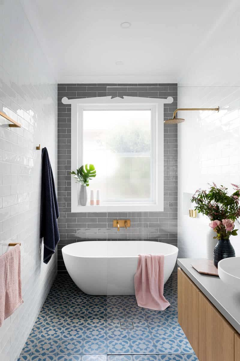 How To Make A Small Bathroom Look Bigger With Tile Decor Snob Bathroom Tub Shower Combo Bathroom Tub Shower Tub Shower Combo