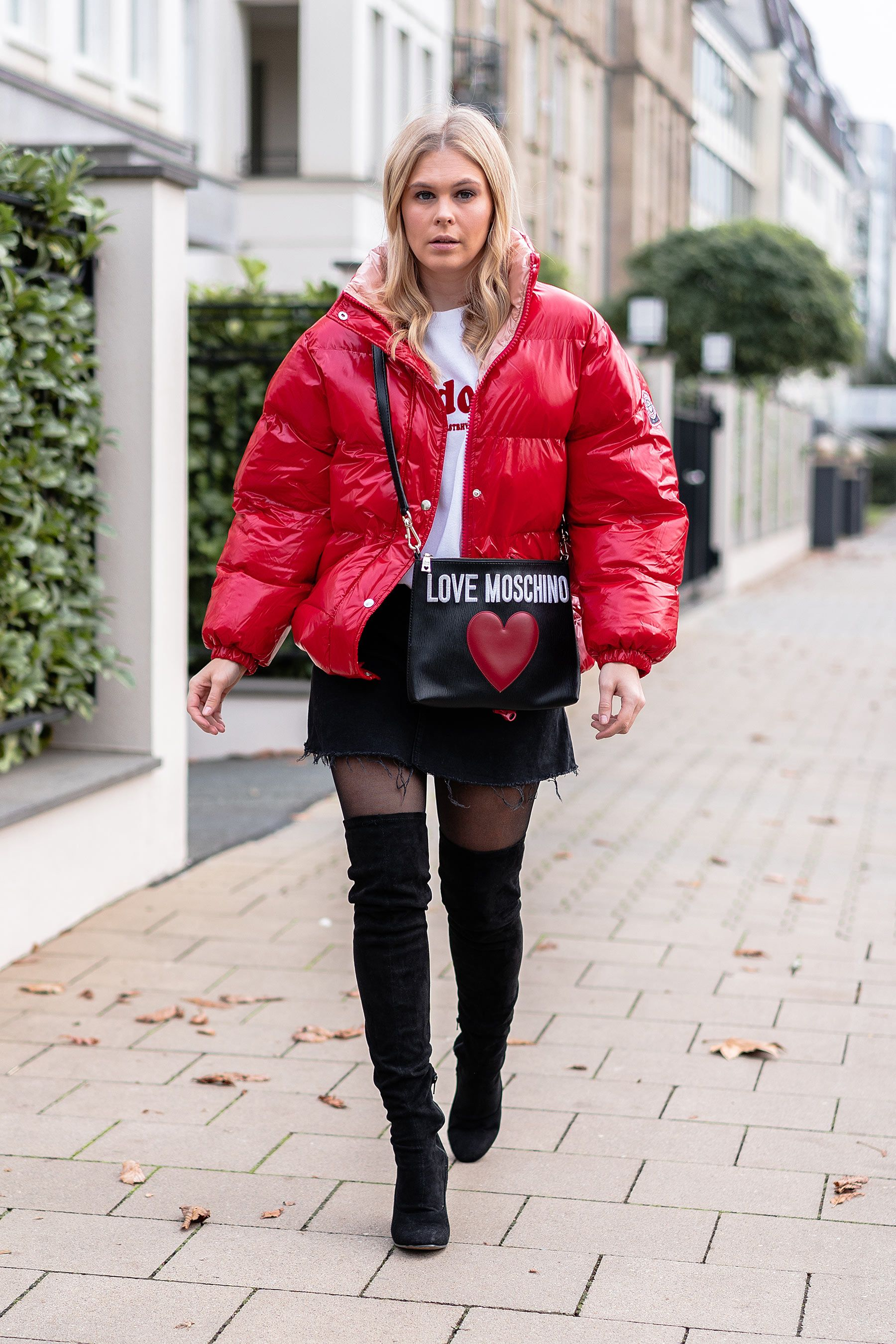reputable site 3cdff f72ee Outfit: Puffer Jacket, Jeansrock & Overknees - Fashion Blog ...