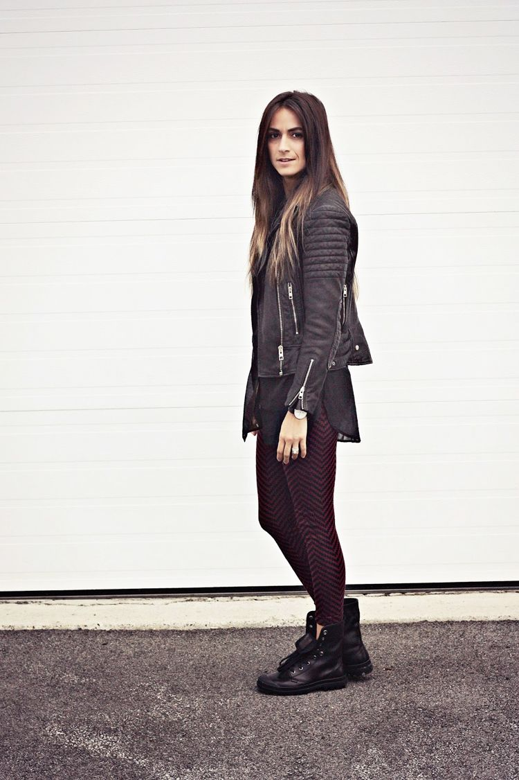 How to combat wear boots with leggings