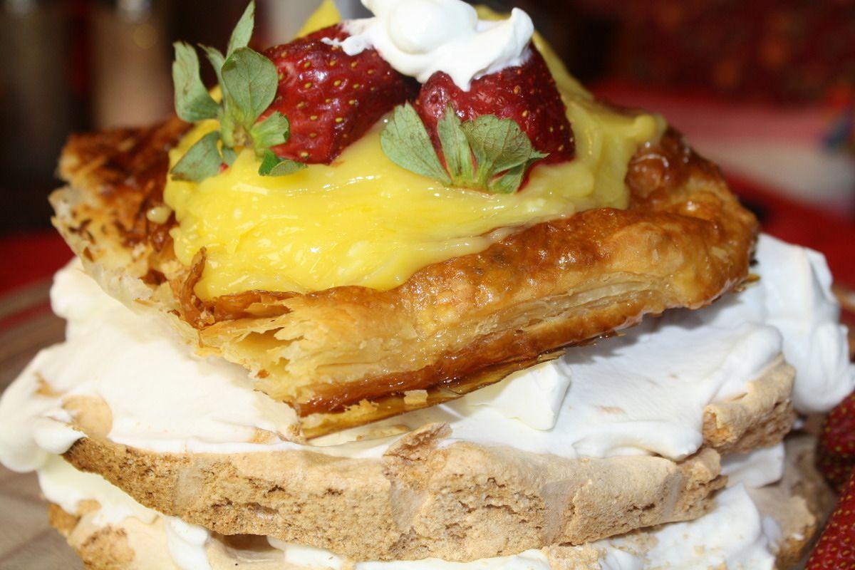 Pastel de Merengue de Limón - Lemon Meringue Torte