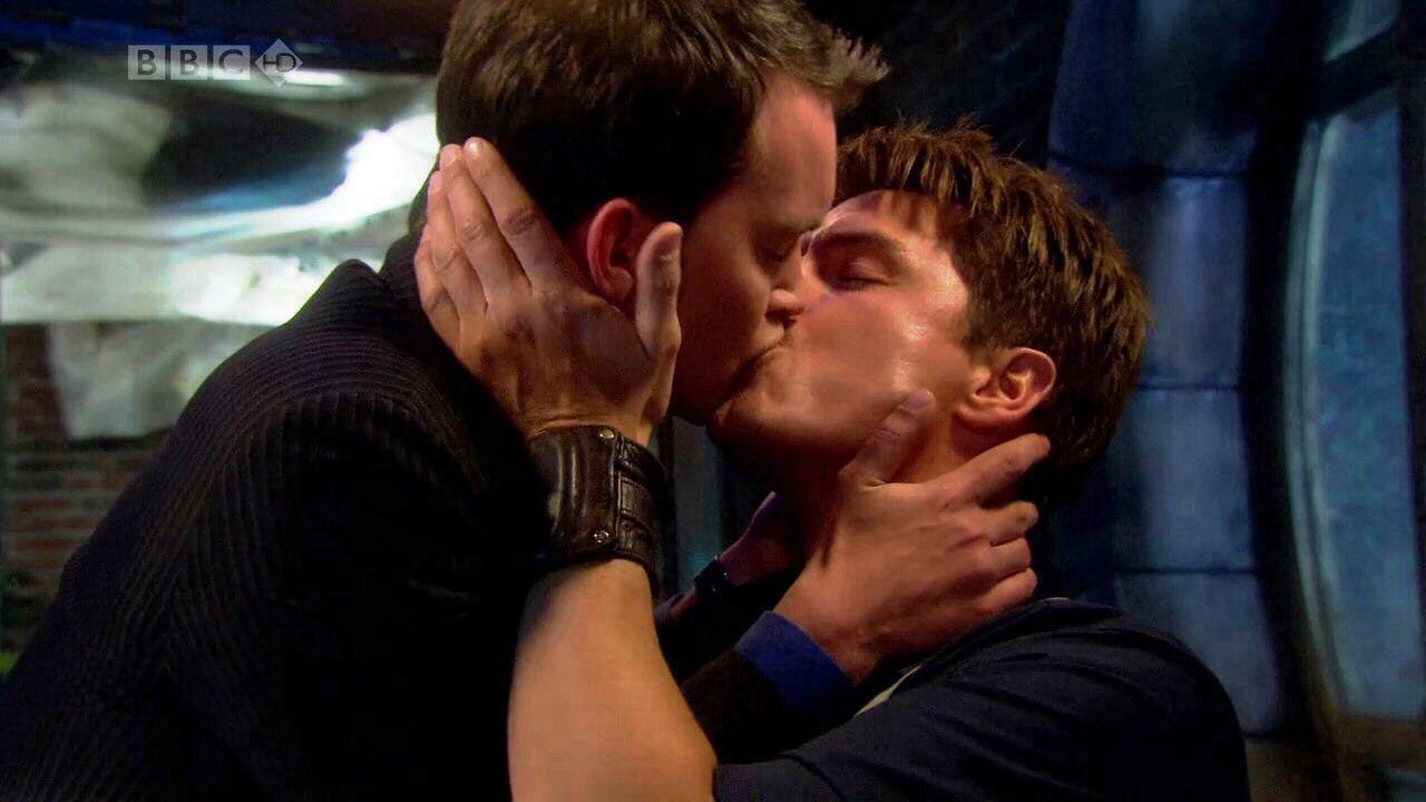 photos-captain-jack-harkness-gay