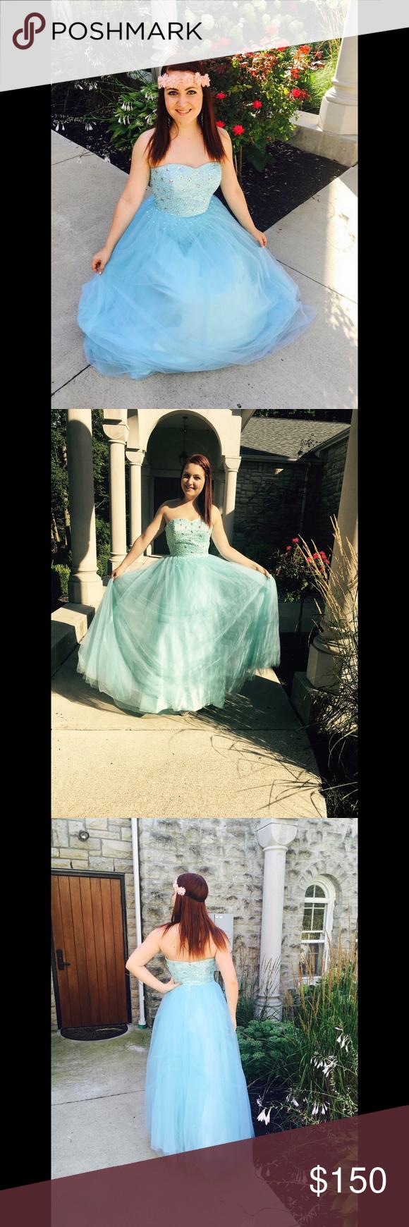 Light blue sweetheart neckline prom dress wedding dress brands