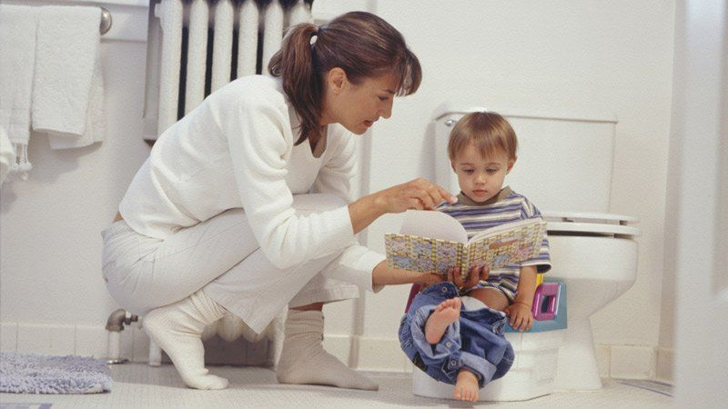 de la couche au pot de bebe apprentissage de la proprete. Black Bedroom Furniture Sets. Home Design Ideas