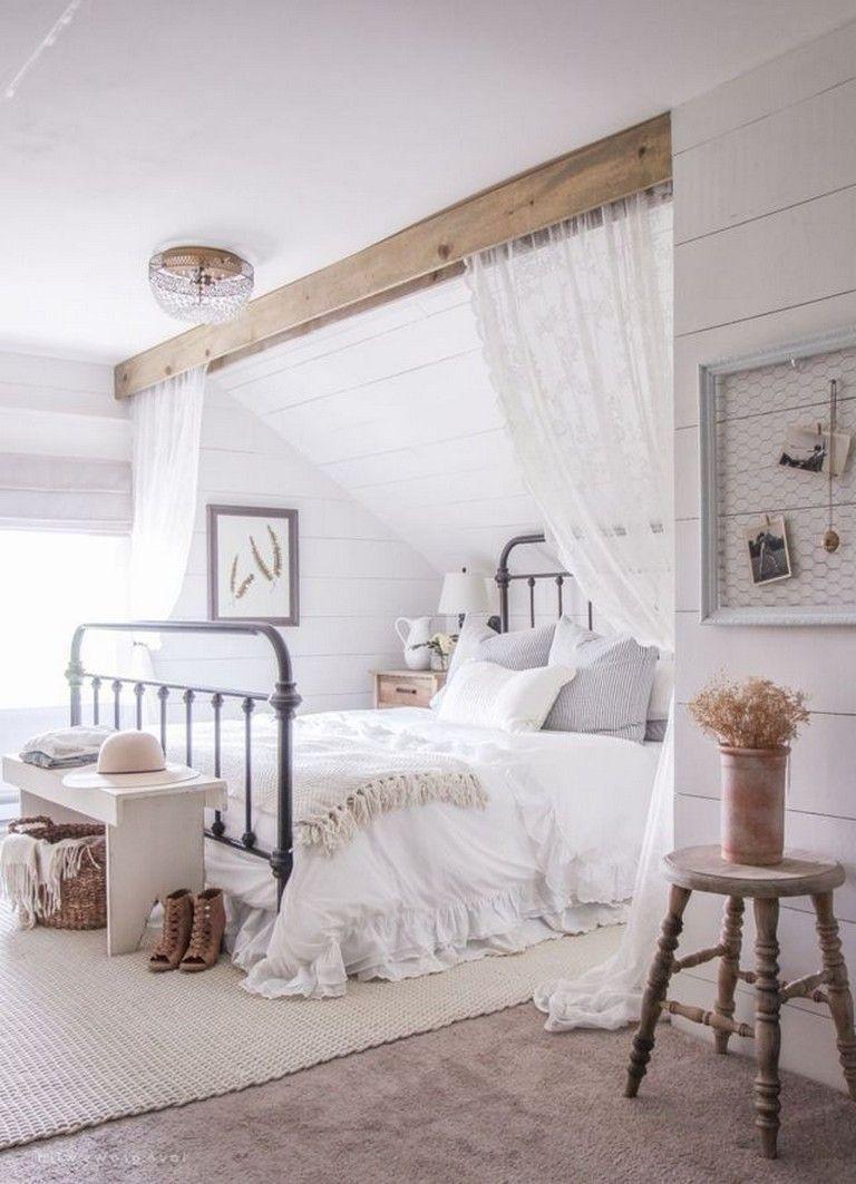 Dies Ist Das Perfekte Schlafzimmer Mit Natürlichem Holz, Cremefarben Und Viel Grün. Dies ist das perfekte Schlafzimmer mit natürlichem Holz, Cremefarben und viel Grün. Bedroom Decoration couple bedroom decor