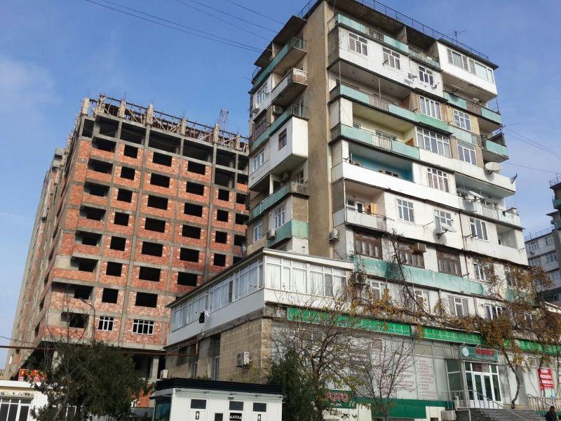 Emlak Az Building Multi Story Building 80 S