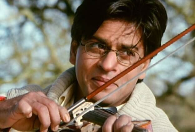 Shahrukh Khan In Mohabbatein Wallpapers Bolly07 Shahrukh Khan Khan Shahrukh Khan And Kajol