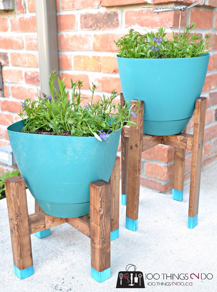 DIY Plant Stand  West Elm Knockoff is part of Diy plant stand, Backyard diy projects, Diy backyard, Diy outdoor decor, Diy plants, Diy outdoor furniture - If you want to add some interest to your porch, patio or deck, you'll want to bring in some height to your groupings  the easiest way to do that is with this DIY plant stand