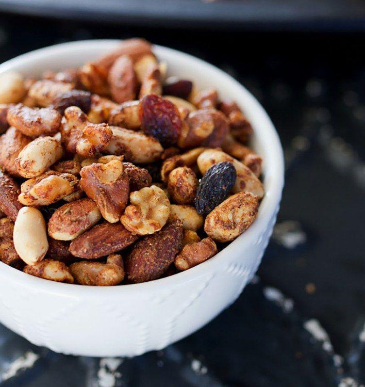 31 High-Protein Snacks Under 200 Calories