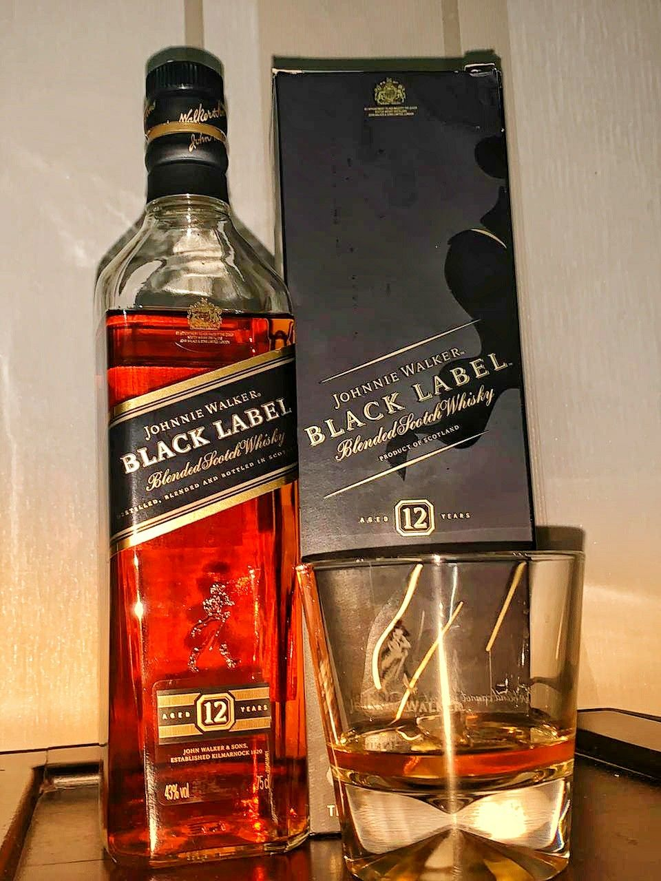 Beautiful bottle of black label #johnniewalker #jw #blacklabel #scotchscentuary #blendedscotch #scotch