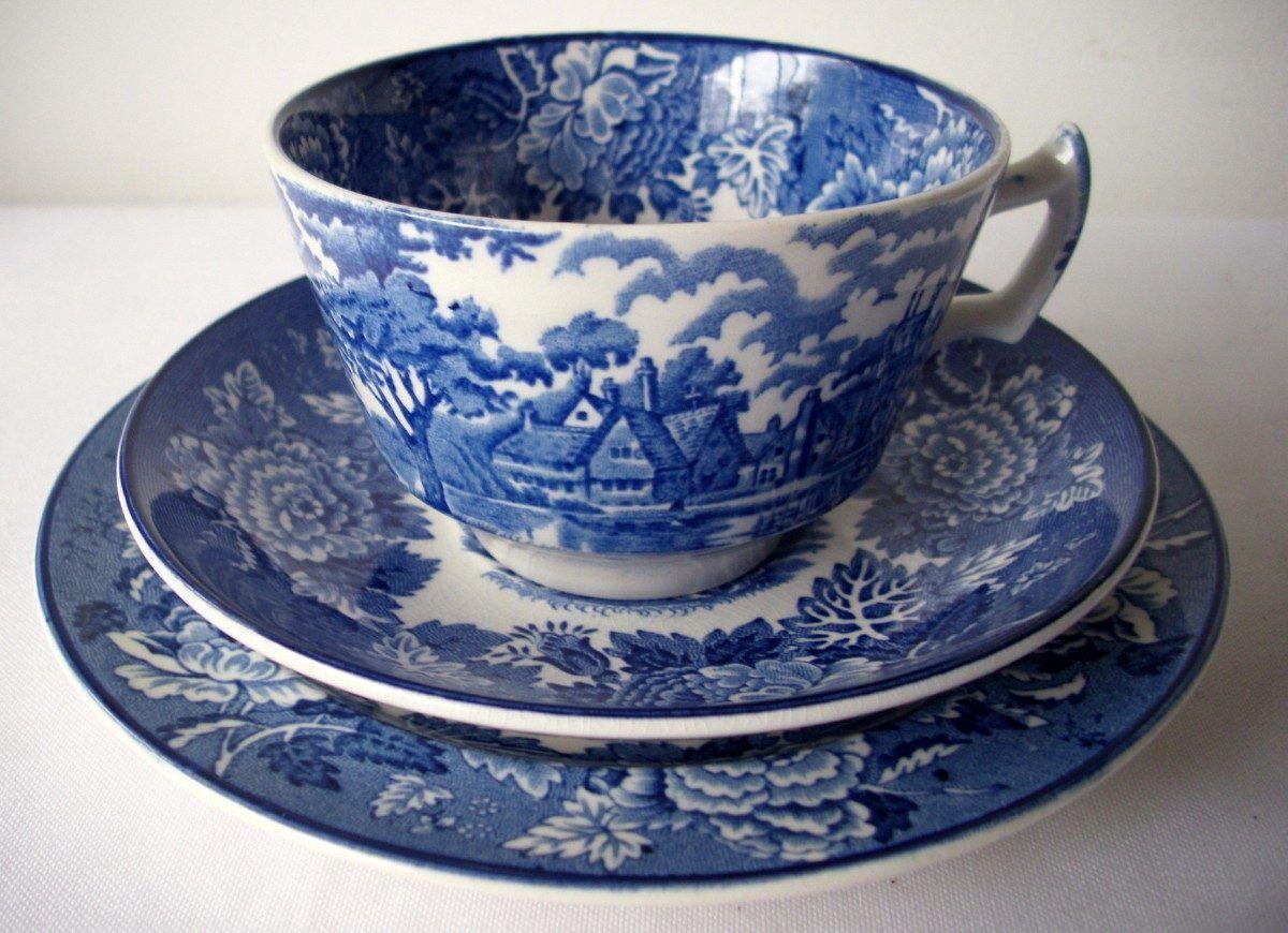 Trio taza y plato t y postre porcelana inglesa woods for Vajilla de porcelana inglesa