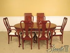 37961e Sumter Cherry Queen Anne Style Dining Room Table Chairs