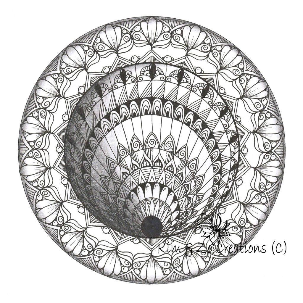 Een Sinkhole Mandala Is Een Mandala Met Een Optische Illusie Door Lijnen In Een Bepaalde Richting Te Tekenen En Mandala Art Zentangle Kunst Mandala Tekeningen