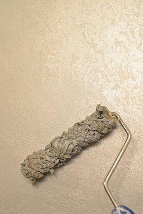 Rolling On The Matte Metallic Finish With The Modern Masters Min Sea Sponge Roller Tone On Tone Metallic F Metallic Paint Walls Textured Walls Metallic Paint