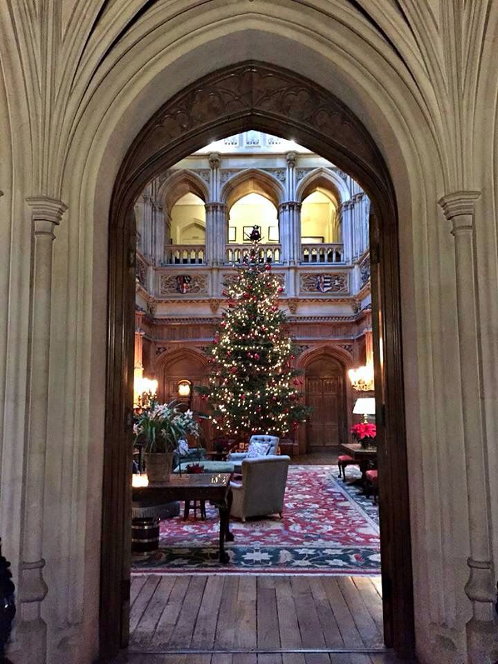 Entry to great hall Highclere castle interior, French